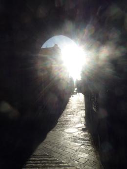 站在耶路撒冷的苦路起點, 正念地呼吸