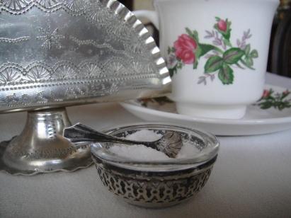 放砂糖的純銀小碟子