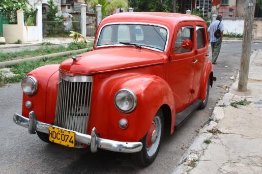 內裡是蘇聯的泠靜, 外表是美國的熱情。這就是古巴。