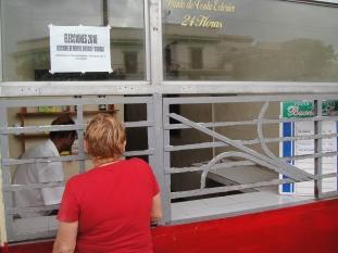 只有在Cadeca(錢莊)才能換到當地人專用的土披索(Peso), 在機場只能換到外匯券。