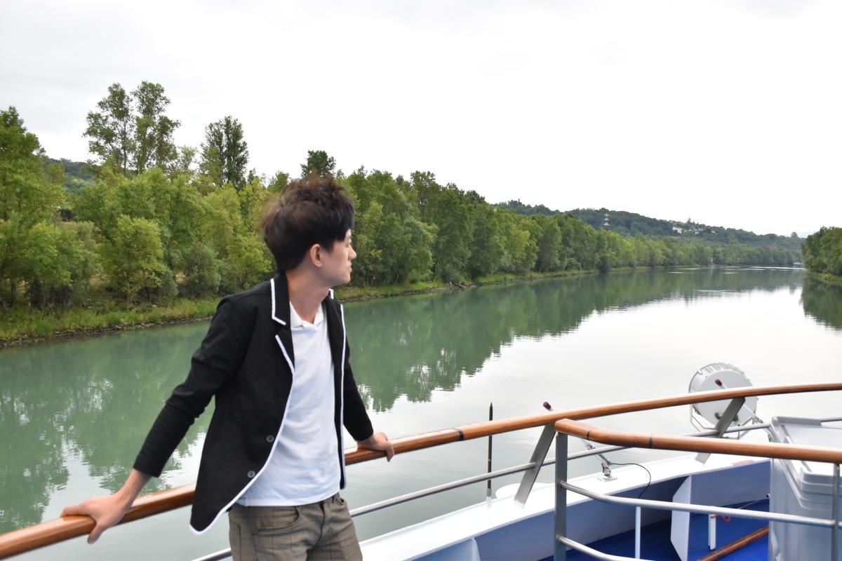 坐上夢之舟,泛舟普羅旺斯