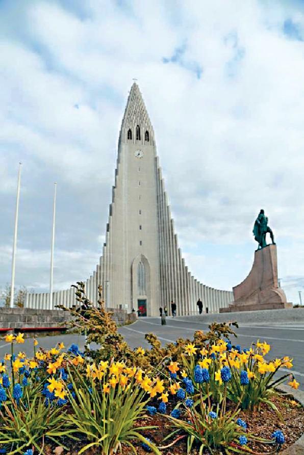 冰島最大的教堂,外形像一座管風琴。