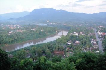 湄公河蜿蜒穿過阡陌交通雞犬相聞