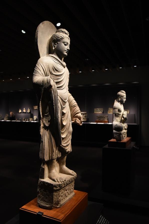 犍陀羅佛像在希臘雕塑的影響誕生, 筆者攝於東京國立博物館