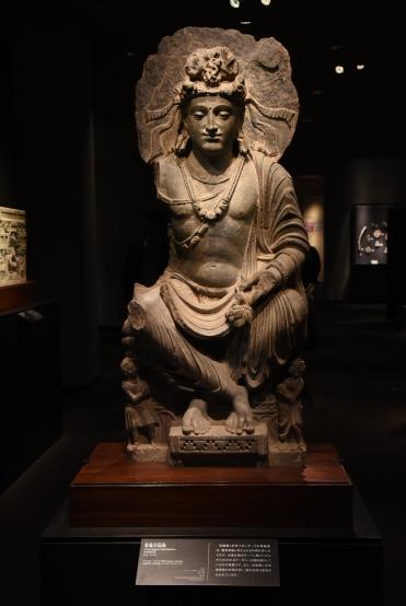 現存東京國立博物館的犍陀羅菩薩交腳像